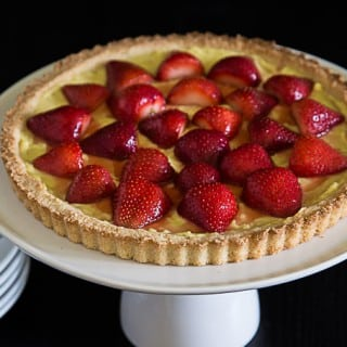 European or French strawberry tart with vanilla bean custard and a shortbread crust. | ethnicspoon.com