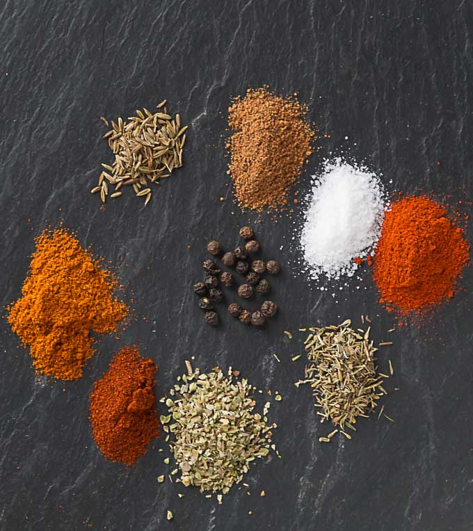 Make your own chili powder blend and food history behind the popular seasoning. | ethnicspoon.com