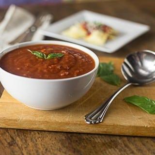 A very easy and fast marinara recipe. | ethnicspoon.com