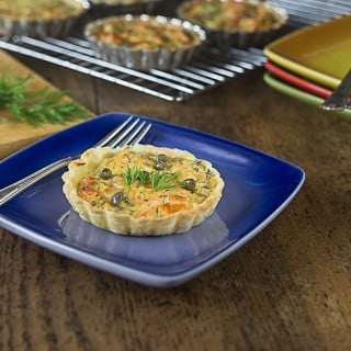 Smoked salmon tartlets in an Irish pub stle. Creamy and delicious! | ethnicspoon.com