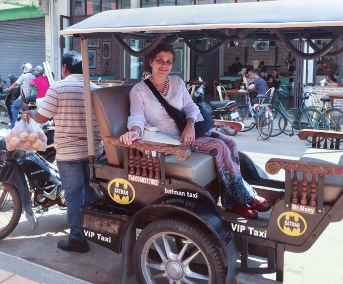 If you go to Thailand for some pad thai you must take a ride in a tuk tuk! | ethnicspoon.com