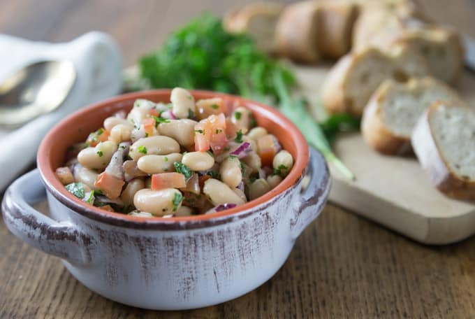 Quick and easy! Here is a must try summer bean salad when you want to eat something cool or take to a picnic. The flavors are fantastic with fresh parsley and tarragon for nice herbal note. | ethnicspoon.com
