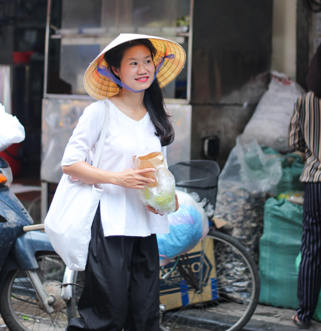 If you are in Hanoi you have to book a street food tour with Thanh and try the egg coffee! | ethnicspoon.com