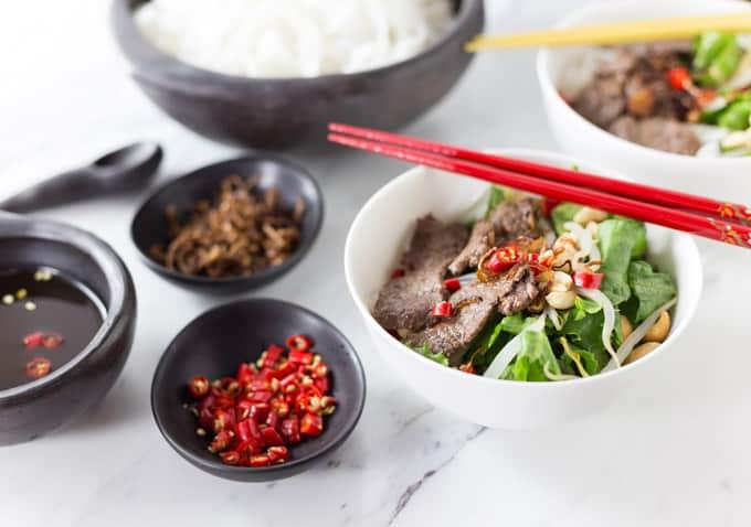 Vietnamese Beef Noodle Salad: Pho Tron - Analida's Ethnic Spoon