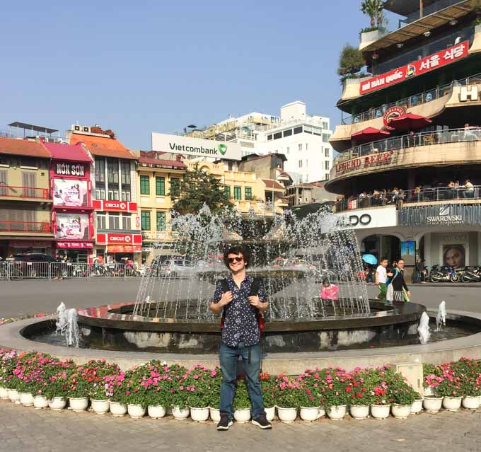 The fountain near Hanoi old quarter near Hoan Kiem Lake also know as walking street. | ethnicspoon.com